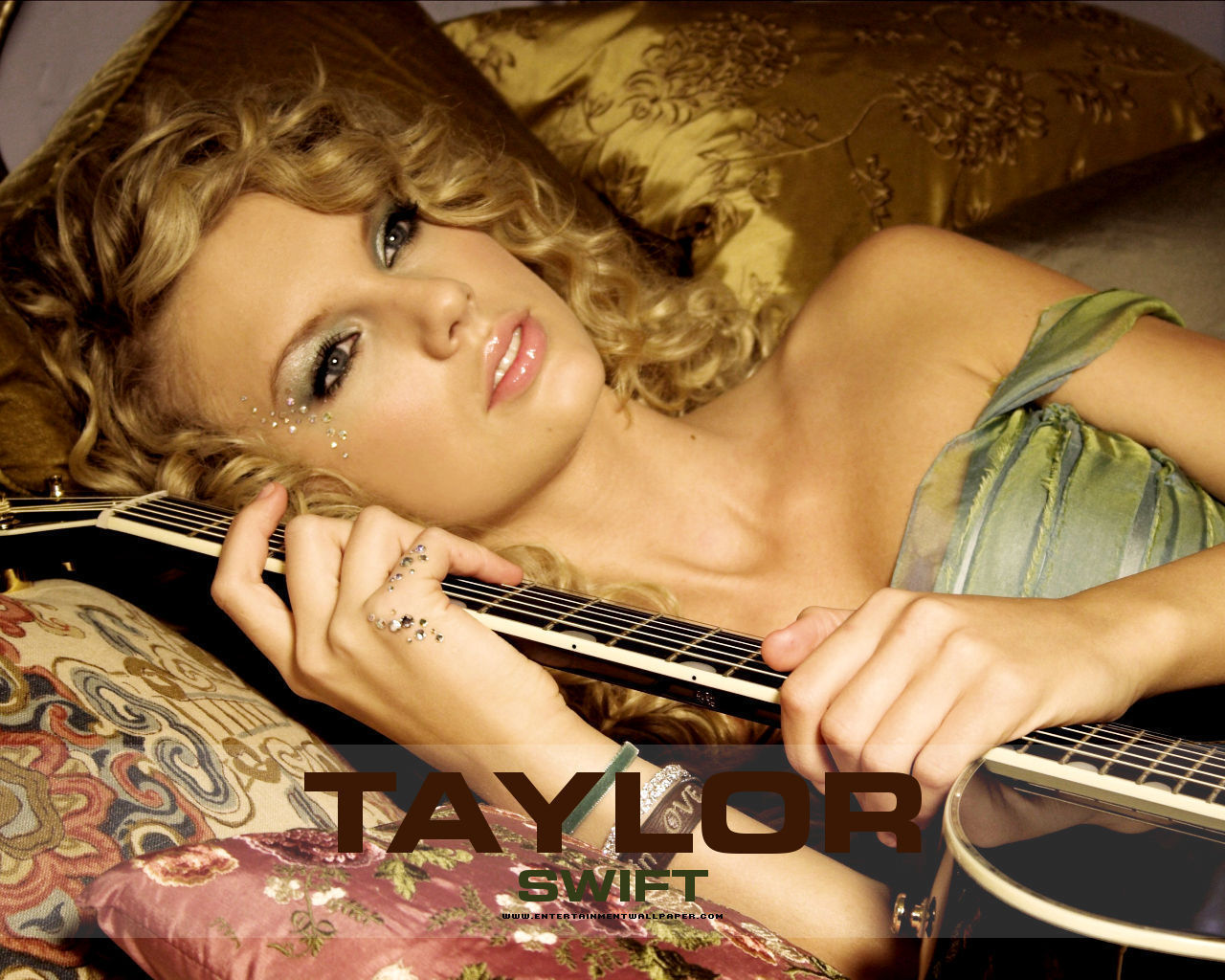 Taylor swift teardrops on