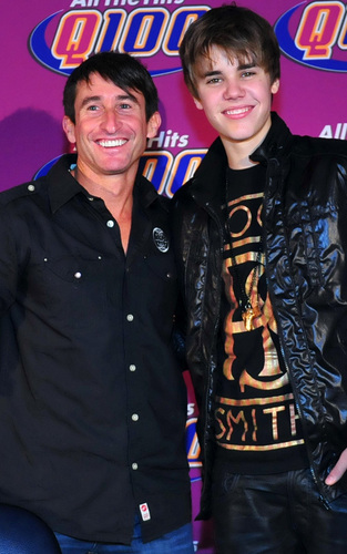 'Stuff Bieber's Bus' Press Conference