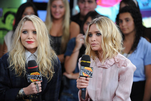 Mary-Kate & Ashley Olsen wallpaper probably containing a portrait entitled 2009 - Live@MuchMusic