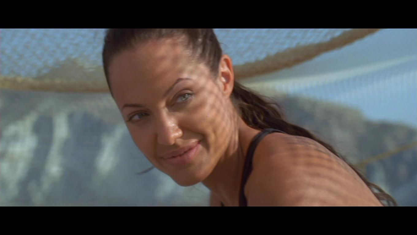 Angelina Jolie as Lara Croft in 'Lara Croft Tomb Raider: The buaian, cradle Of Life'