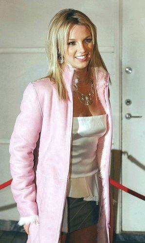 Crossroads Premiere in Sweden 2002