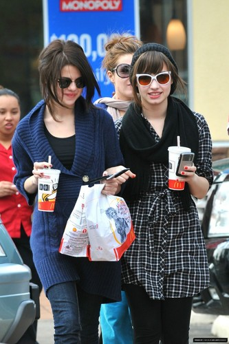Demi&Selena 照片