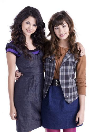Demi&Selena bức ảnh
