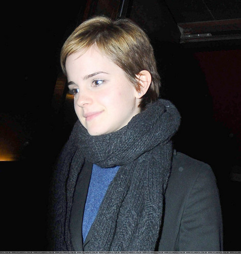 Emma in london After Shopping., 22.12.2010
