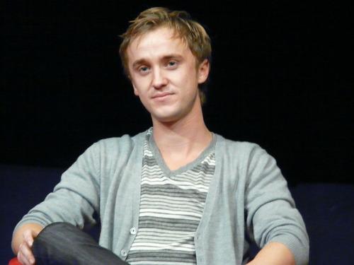 Harry Potter actors attend Magic navidad fan convention in France