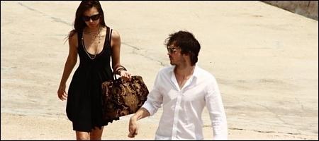 Ian nina walking on bờ biển, bãi biển