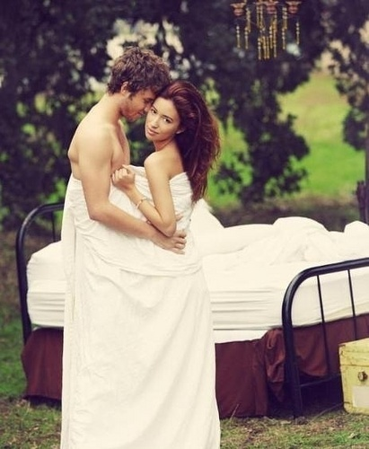 Jeremy Sumpter and Christian Serratos NEW HOT PHOTOSHOOT