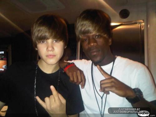 Justin Bieber & Iyaz , HAHA , LOL