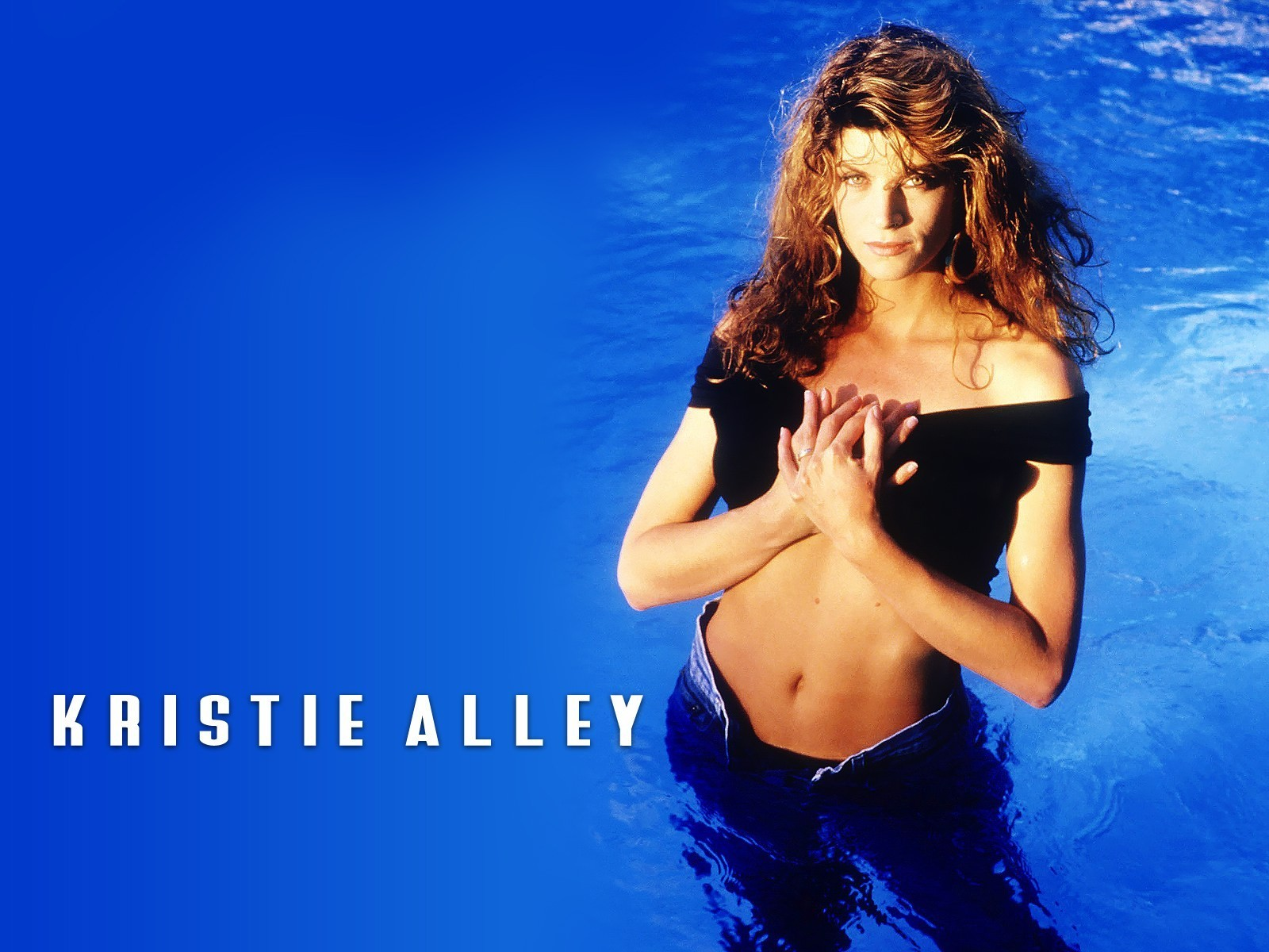 kirstie alley sexy swimsuit pics
