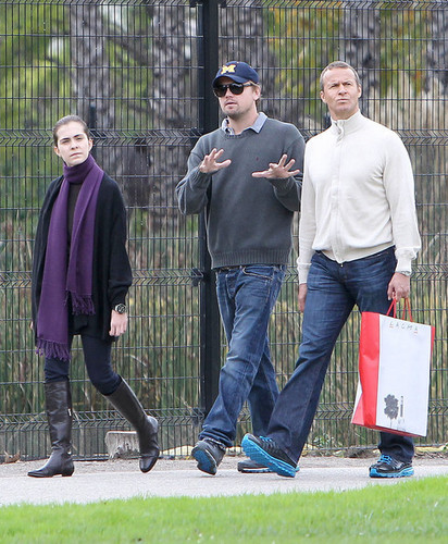 Leonardo DiCaprio spends the 日 after 圣诞节 at the Los Ange