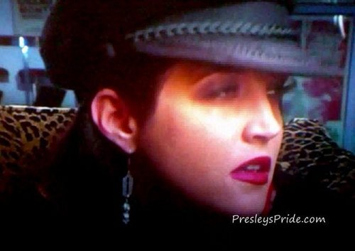 lisa marie presley wallpaper containing a fedora called Lisa