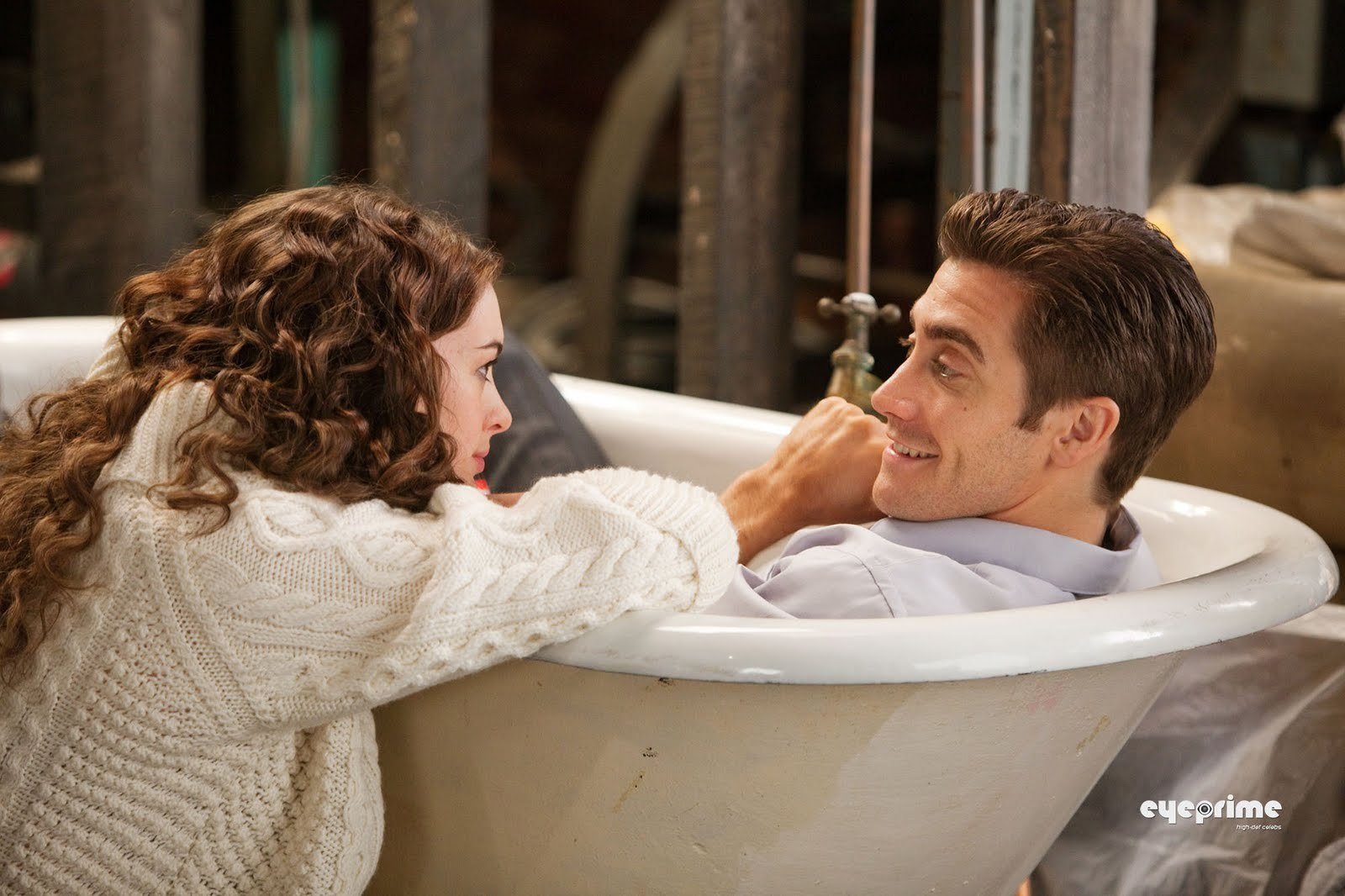 Anne Hathaway and Jake Gyllenhaal images Love and Other ...