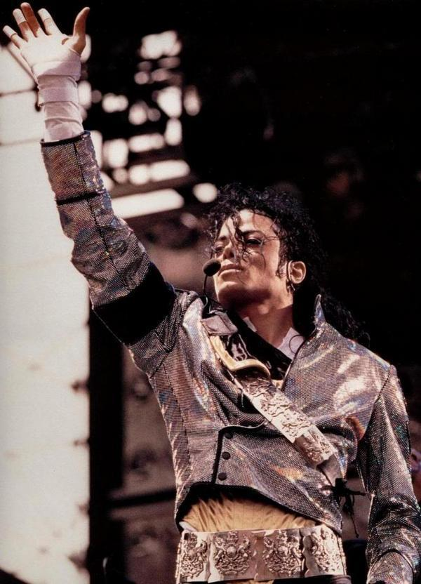MICHAEL (LOVE)<3