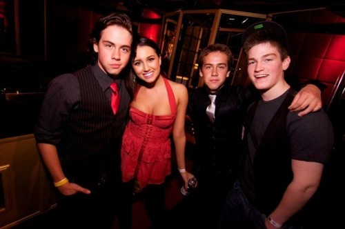 Munro,Alica,Thomas,and James