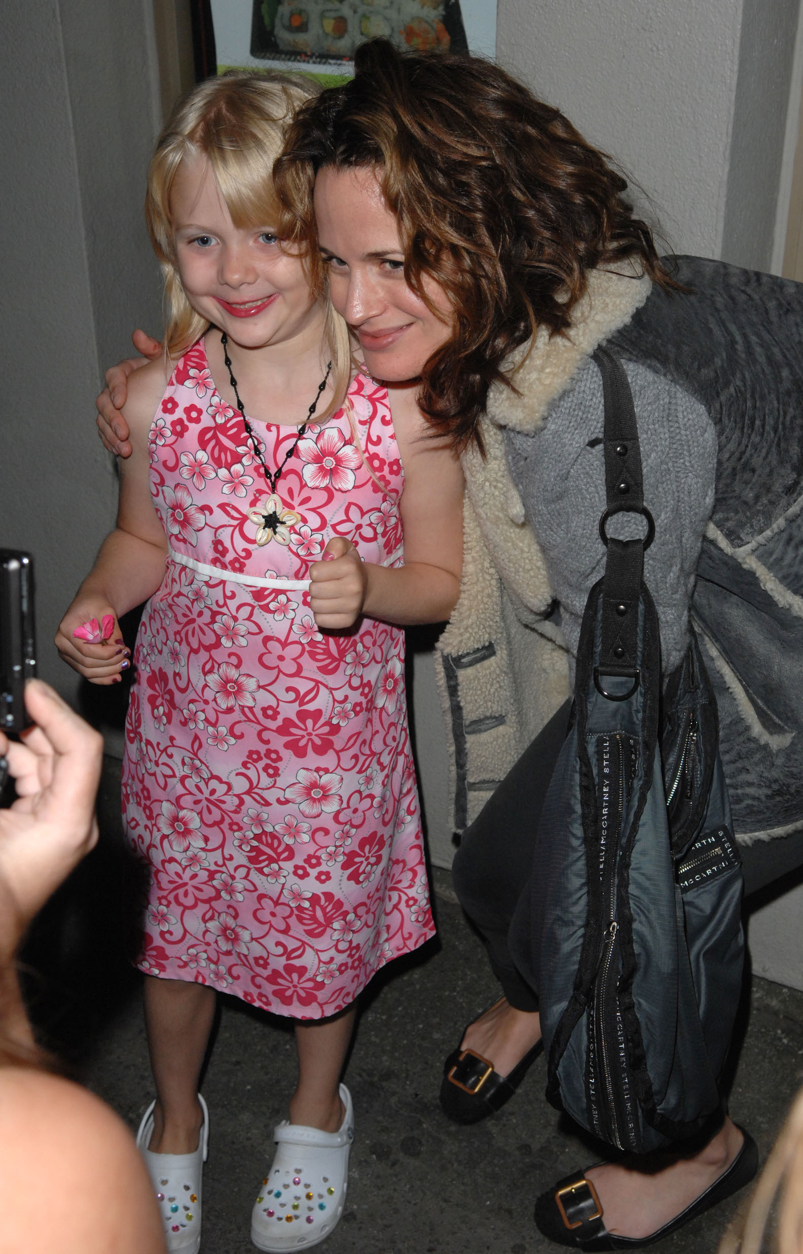 New/Old candids of Elizabeth going out kwa night with Nikki Reed