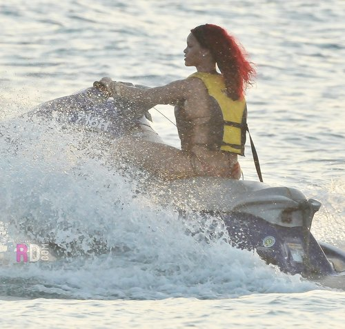 On a plage in Barbados with her brother and Friends - December 27, 2010