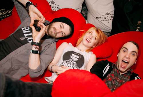 Paramore is (still) a band :/
