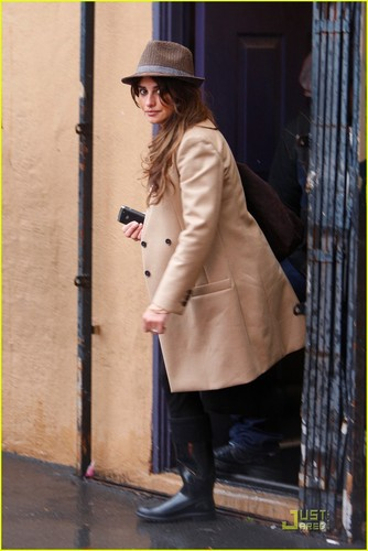 Penelope Cruz: Ed Hardy Holiday Shopping
