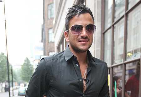 peter andre wallpaper containing a business suit and sunglasses called Peter