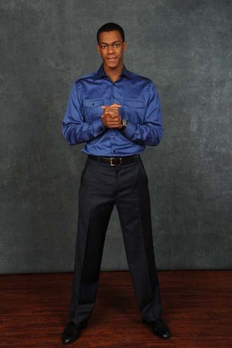 Rajon Rondo Hintergrund with a well dressed person, bellbottom trousers, and flannel called Rajon Rondo all star!