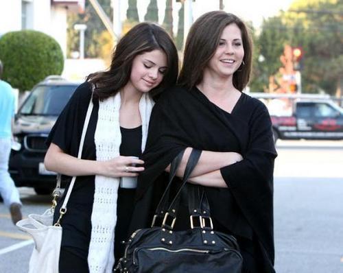 Rare Selena Pics
