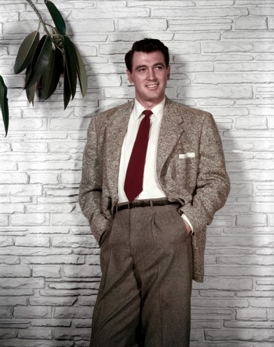 Classic Movies wallpaper containing a business suit, a suit, and a well dressed person called Rock Hudson