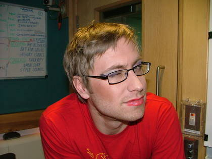 Russell Howard in make-up :)