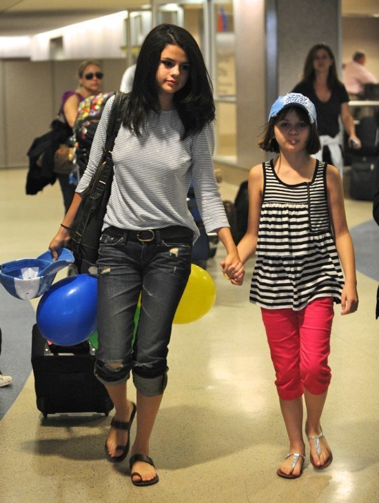 selena gomez rare photos. Selena Gomez Rare Photos!
