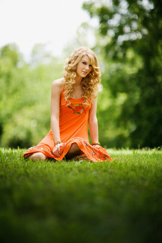 Taylor schnell, swift - Photoshoot #052: Country Weekly (2008)