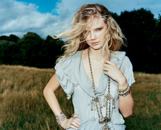 Taylor Swift - Photoshoot #057: Vanity Fair (2008)