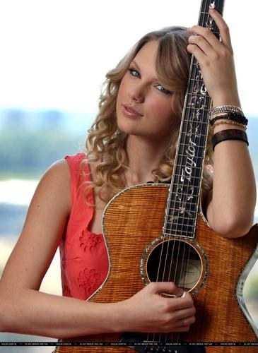 Taylor 迅速, 斯威夫特 - Photoshoot #067: Herald Sun (2009)