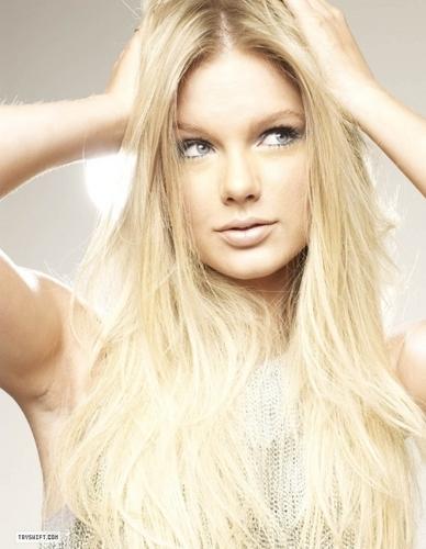 Taylor 迅速, スウィフト - Photoshoot #079: Rolling Stone (2009)