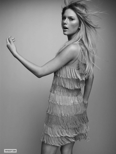 Taylor Swift - Photoshoot #079: Rolling Stone (2009)