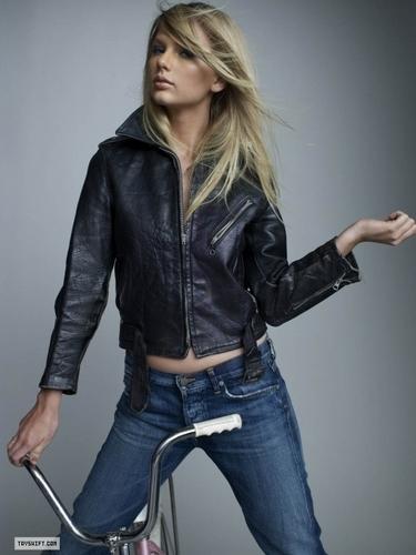 Taylor pantas, swift - Photoshoot #079: Rolling Stone (2009)