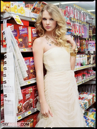 Taylor mwepesi, teleka - Photoshoot #087: Elle (2009)