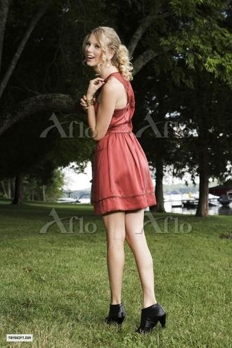 Taylor mwepesi, teleka - Photoshoot #093: Bliss (2009)