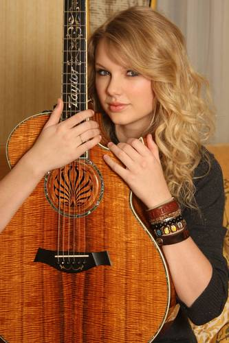 Taylor Swift - Photoshoot #098: Wayne Starr (2009)