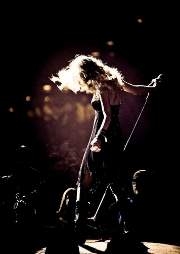 Taylor تیز رو, سوئفٹ - Photoshoot #101: Fearless Tour (2009)