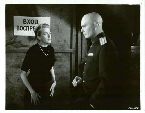 Yul Brynner wallpaper containing a green beret and battle dress entitled Yul Brynner and Deborah Kerr - The Journey