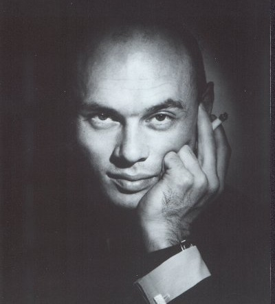 Yul Brynner দেওয়ালপত্র possibly with a business suit titled Yul Brynner