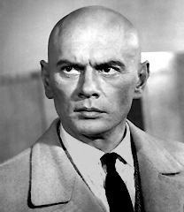Yul Brynner দেওয়ালপত্র containing a business suit and a suit entitled Yul Brynner
