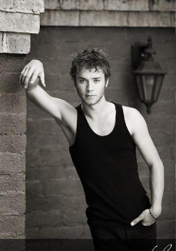 Jeremy Sumpter wallpaper probably containing a street titled jeremy troix