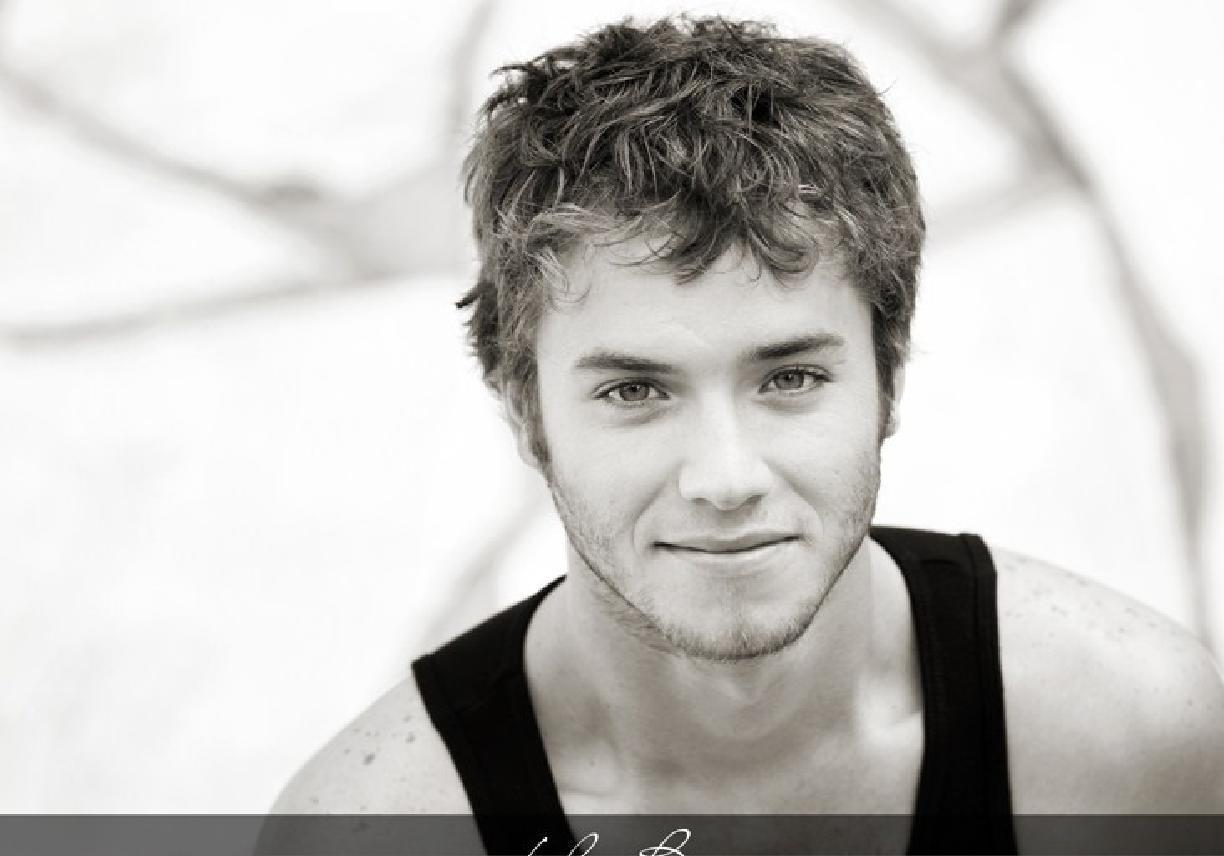 Jeremy Sumpter Girlfriend 2013 Images & Pictures - Becuo