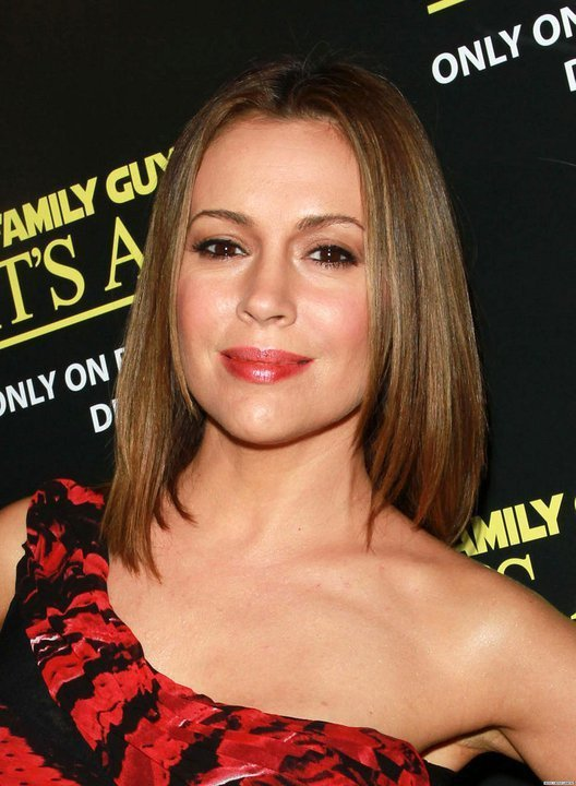 twitter - december 2010 - Alyssa Milano Photo (17921351) - Fanpop