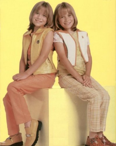 1999 - Calendar Shoot - mary-kate-and-ashley-olsen Photo