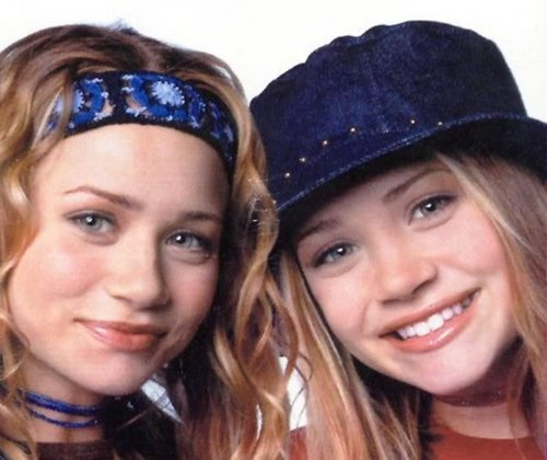 Mary-Kate & Ashley Olsen wallpaper possibly with a portrait called 2000 - Fashion Line Photoshoot
