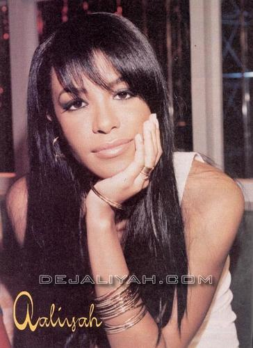 Aaliyah wallpaper with a portrait called Aaliyah <3