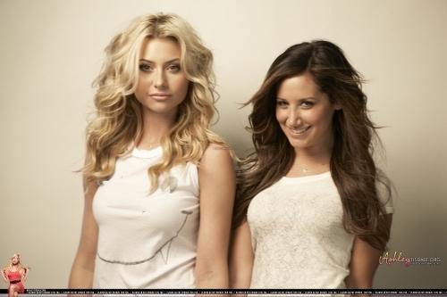 Ashley Tisdale & Aly Michalka