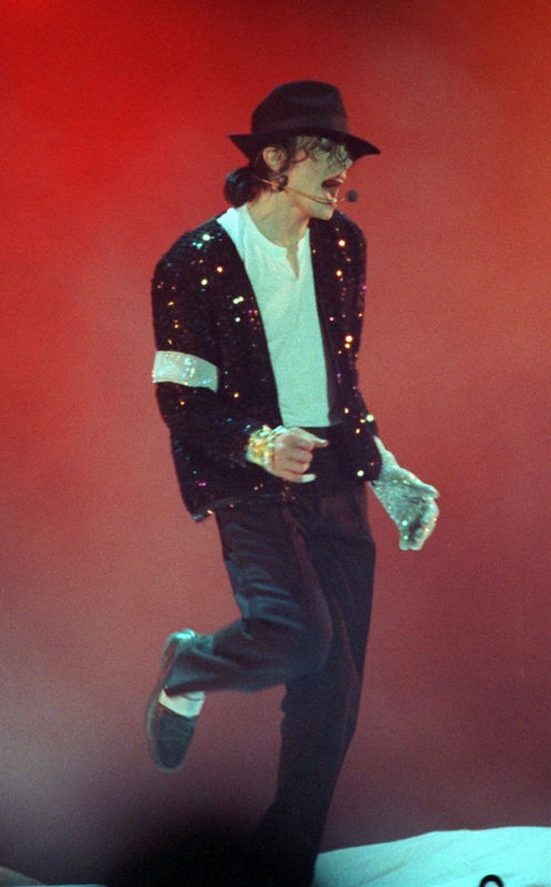 billie jean Biography billie jean moffitt was born on november 22, 1943 in long beach, california to parents bill, a firefighter, and betty, a homemaker the moffitt family was athletic.