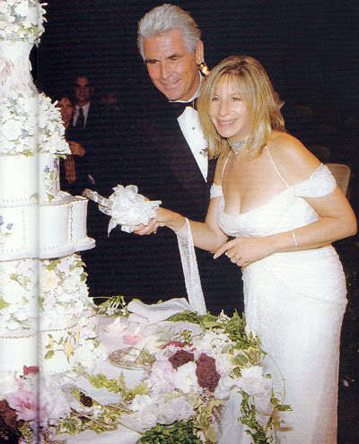 Barbra Streisand 바탕화면 containing a bouquet and a bridesmaid titled Barbra Streisand - Wedding 일